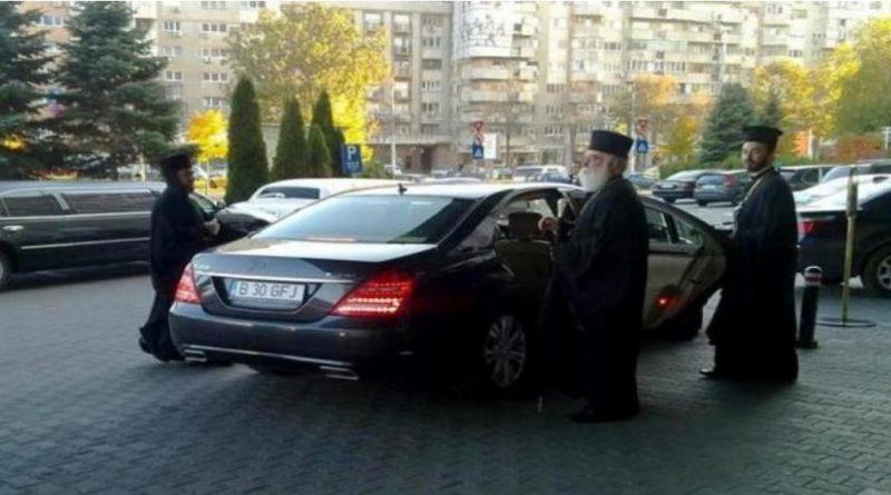 """""""Iisus nu a intrat în Ierusalim cu Mercedes şi haine de zeci de mii de euro, ci calare pe un măgar"""""""