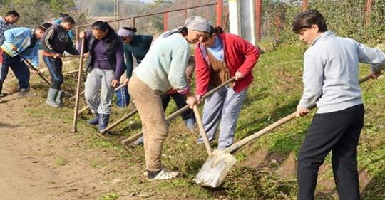 Exemplu de urmat. Un primar din judeţul Botoşani a tăiat ajutoarele sociale la 500 de persoane pentru că nu au prestat orele de muncă