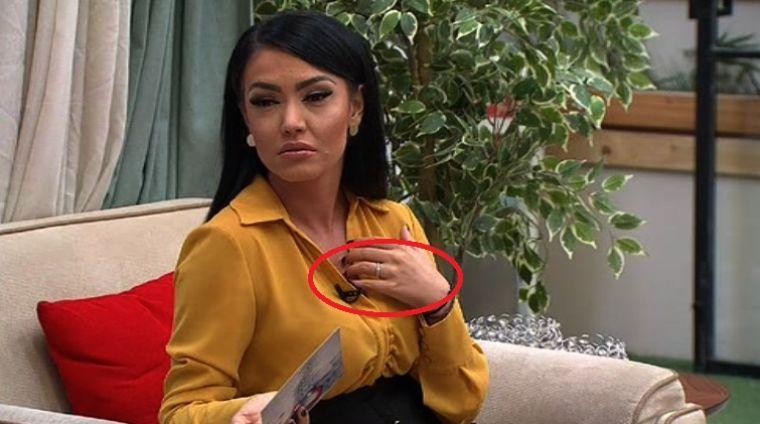 """""""Mi-am găsit jumătatea"""" Andreea Mantea s-a logodit cu Cristi Mitrea?! Vezi primele imagini cu inelul"""