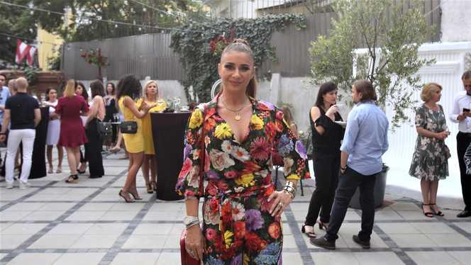 Cum a aparut Anamaria Prodan la deschiderea unui restaurant. Bijuteriile sale au atras toata atentia…Costa sute de mii de euro