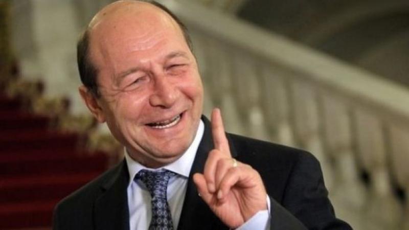 Băsescu: Eu aş accepta vreo 10 dezbateri cu Dăncilă, câte una pe zi, cu toate televiziunile de faţă